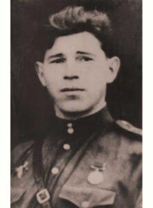 Нечаев И.В. - командир-дивизиона, капитан 64 осбр
