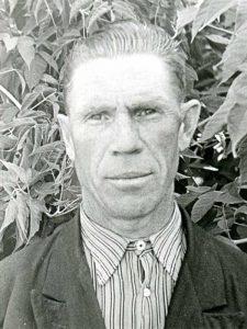 Безгузиков Алексей Михайлович, 1921-1986, рядовой, Коммунальный пер. д.3