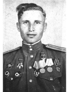 Герой Советского Союза гвардии-сержант Иван Павлов