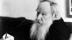 Запрещённые цензурой размышления Льва Толстого о лжепатриотизме, которые не стали менее актуальными 125 лет спустя