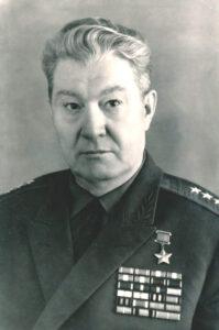 Герой Советского Союза Бурдейный Алексей Семенович, участник Великой Отечественной войны, командир 2-го танкового корпуса 31-й армии, генерал-полковник. 1966 год