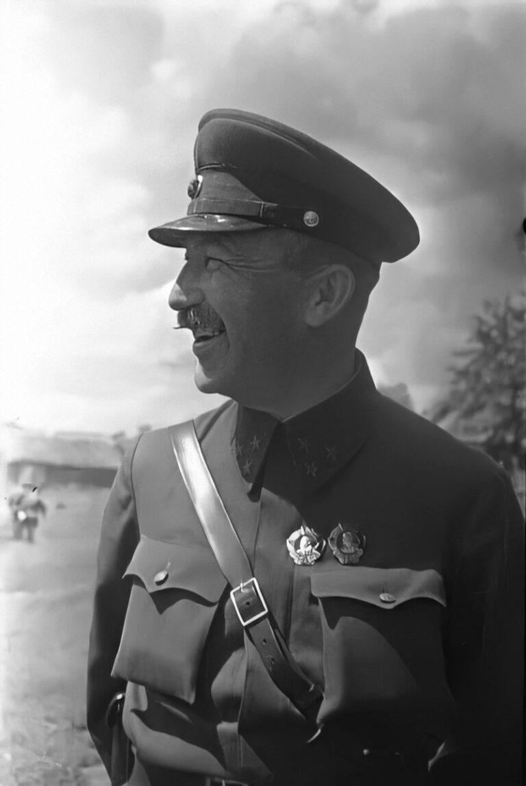 Командир 1гв. К.К. гвардии генерал-лейтенант Павел Алексеевич Белов (28 июня 1942)