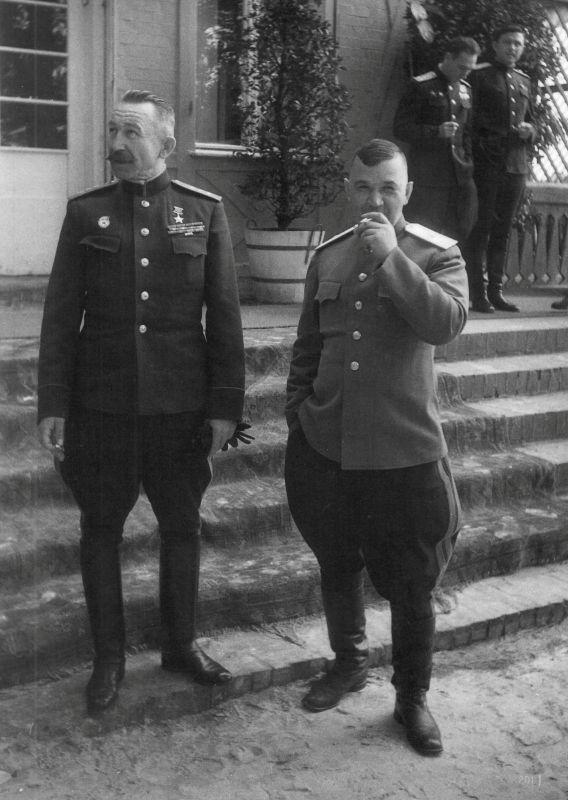 Командующий 61-й Армией генерал-полковник Павел Алексеевич Белов в Берлине