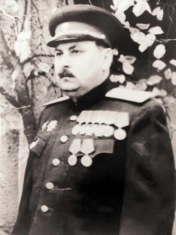 Антонов Пётр Софонович- генерал-майор авиации