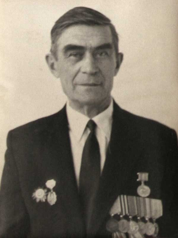 Апекишев Александр Игнатьевич, 1916, ст. сержант