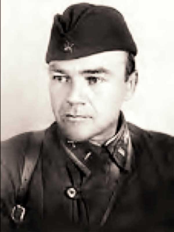 Елсуков Михаил Петрович– директор (1945-1952, 1953-1959) ВНИИ кормов
