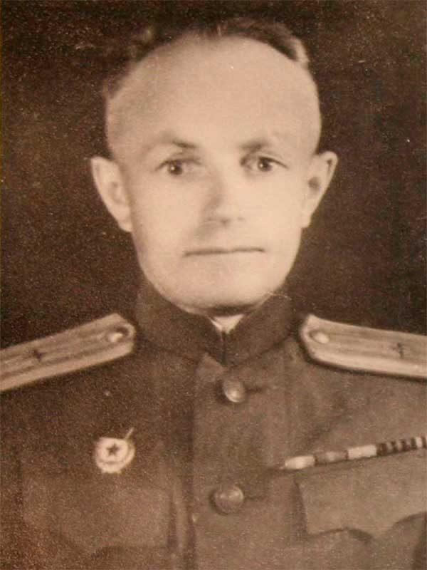 Зорин Пётр Григорьевич, 1902- 1975, п/полковник,Фрунзе 22