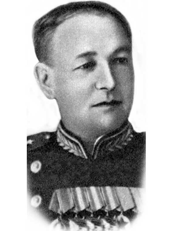 Нестерцев Виктор Ефимович - командующий ВВС 1-й уд.Армии