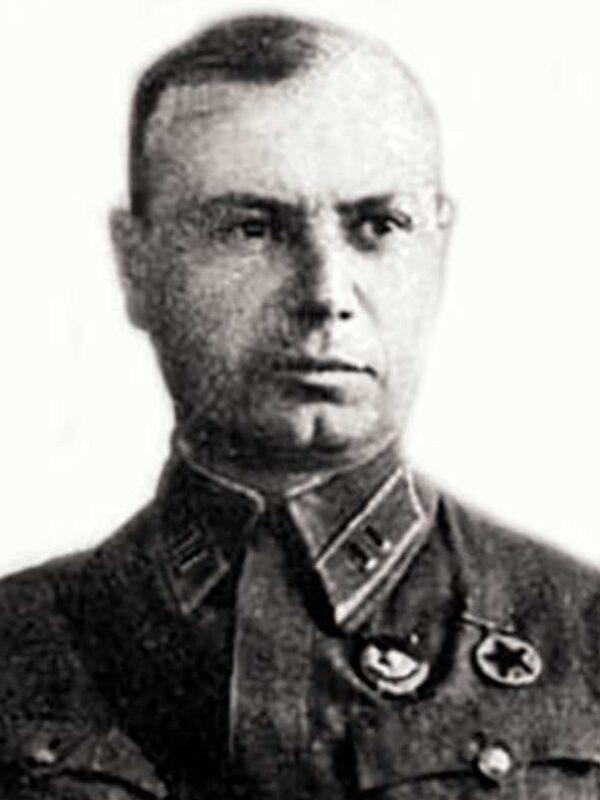 Командир 352 сд (1.08.1941 - 5.06.1942), полковник, Прокофьев Юрий Михайлович