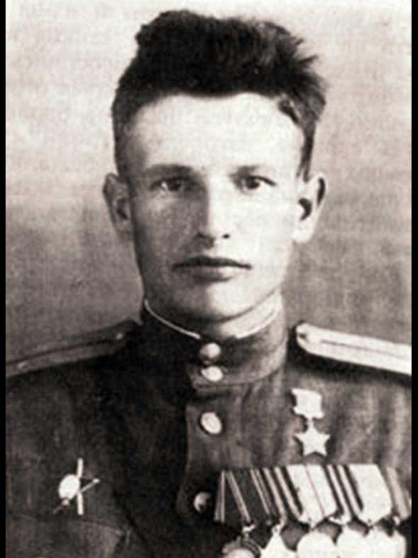 Нач-к артиллерии 20А - полковник П.С. Семенов
