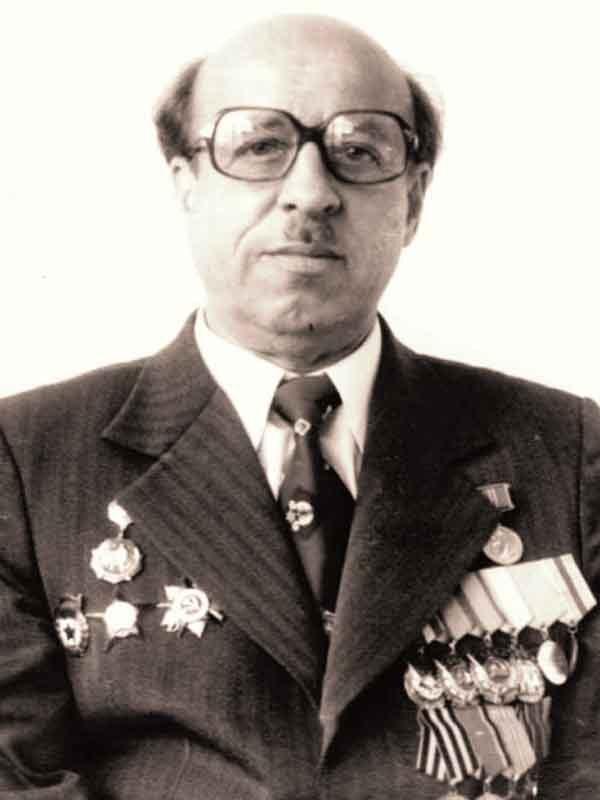 Смурыгин Митрофан Андреевич– директор (1968 - 1986) ВНИИ кормов