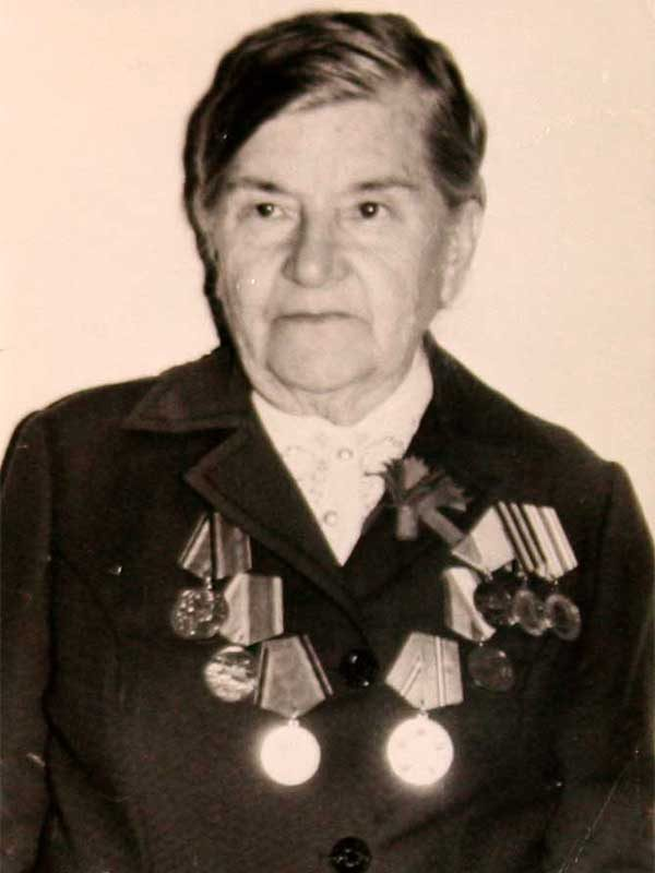 Стаховская Зинаида Ивановна, 1905-1985, ст.лейтенант,ВНИИ д.12 кв.17