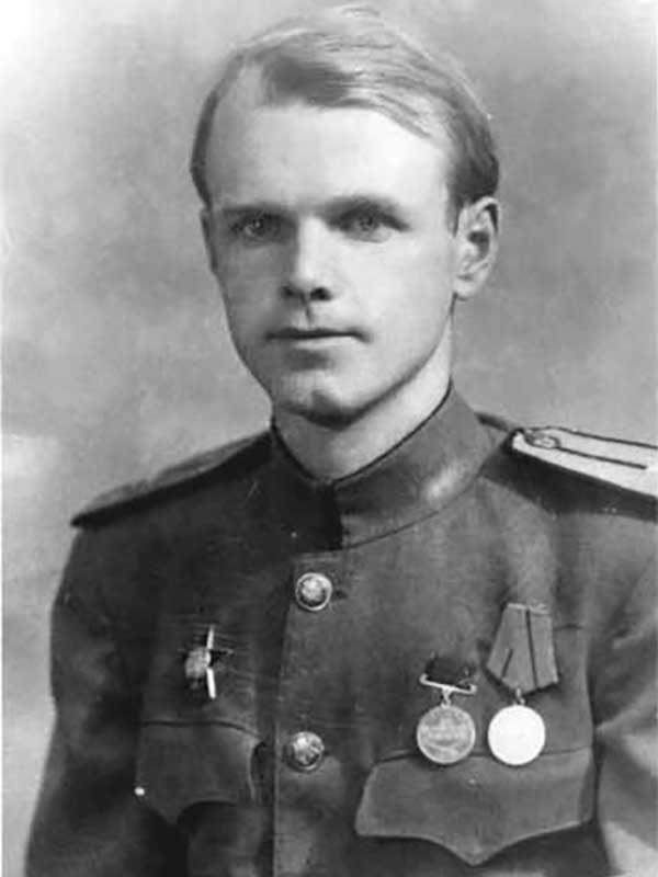 Тихомиров Александр Васильевич, 1917, подполковник,Садовый пер., д.9