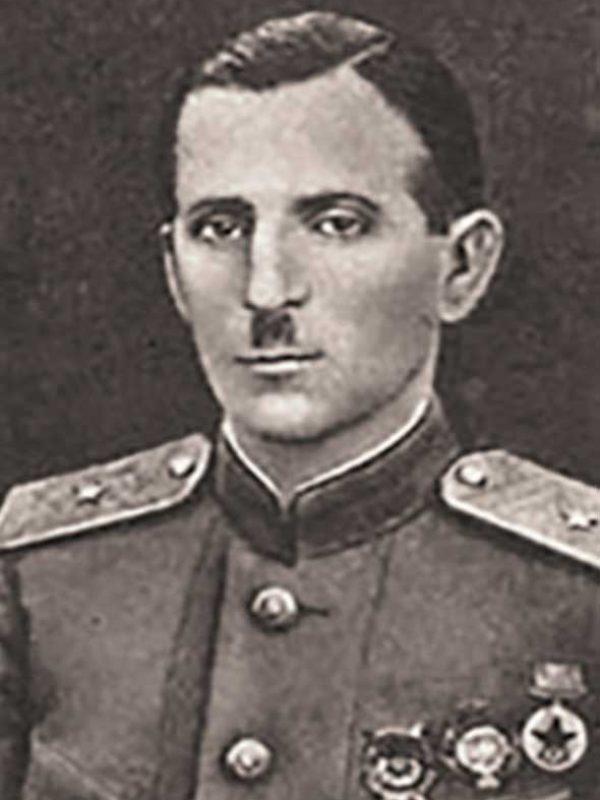 Чернышов П.Н. - командир 18 сд 16А