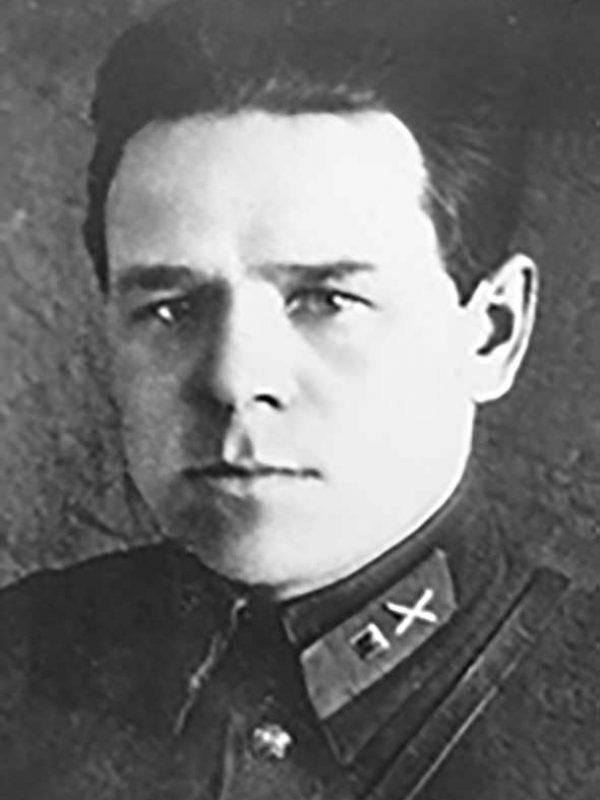 Лермонтов Г.И. - помощник командира батарей артдивизиона 29 осбр