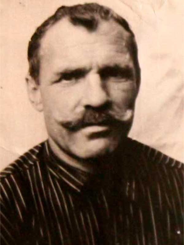 Сурков Пётр Тимофеевич, 1911-1989, лейтенант, I гр., ВНИИ д.12, кв.1