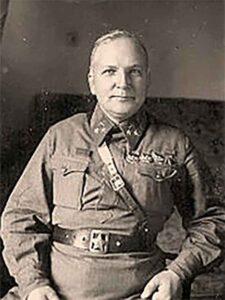 Таранович Владимир Эрастович -генерал-полковник артиллерии